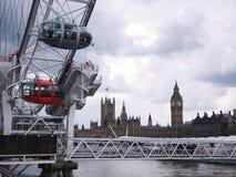 Het Oog van Londen en Huizen van het Parlement Stock Afbeelding