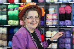 HET OOSTEN GRINSTEAD, HET WESTEN SUSSEX/UK - 20 DECEMBER: Dickensiandag binnen Royalty-vrije Stock Foto
