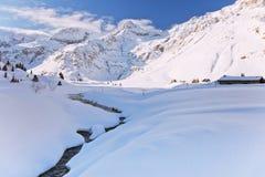 Het Oostenrijkse landschap van de winter stock foto's