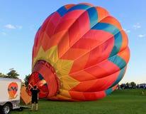 Het opblazen van de Ballon Stock Foto