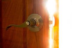 Het open licht van deurknoppen open visie stock afbeelding