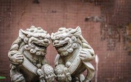 Het openlucht Verfraaien met Lion Engraved Sculpture royalty-vrije stock afbeeldingen