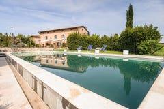 Het Openlucht Zwembad van de luxe Royalty-vrije Stock Afbeeldingen