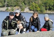 Het openluchtportret van de familie Stock Fotografie