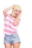 Het opgewekte mooie meisje schreeuwen Stock Foto