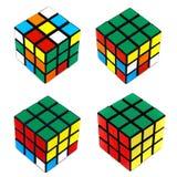 Het oplossen van de Kubus van Rubik Stock Foto's