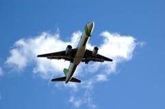 Het opstijgen van het vliegtuig Stock Foto