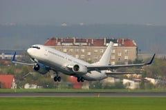 Het opstijgen van vliegtuigen stock foto's