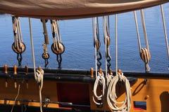 Het optuigen van het schip stock foto
