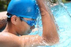 Het opwarmen van de zwemmer stock foto