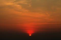 Het oranje licht van de zonsopgang in ochtend Stock Foto's