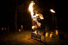 Het orgaan van de Pyrophonebrand bij nacht speelmuziek stock foto's