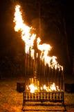 Het orgaan van de Pyrophonebrand bij nacht speelmuziek stock afbeeldingen