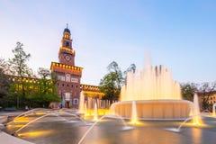 Het oriëntatiepunt van Castellosforzesco in Milaan, Italië stock afbeelding