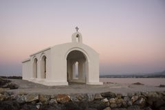 Het oriëntatiepunt van Kreta Agios Nikolaos Saint Nicholas-kerk, Georgioupoli in Kreta, Griekenland royalty-vrije stock afbeelding