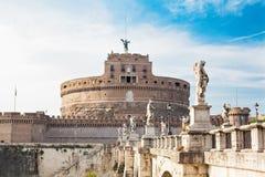 Het oriëntatiepunt van Rome, Italië Castel Saint Angel en brug royalty-vrije stock fotografie