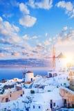Het oriëntatiepunt van het Santorinieiland, Griekenland Oia Stad, Overzees en Hemel royalty-vrije stock foto's