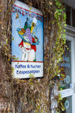 """Het originele uithangbord """"Koffie Rothenburg"""". Stock Fotografie"""