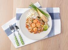 Het originele voedsel in Thailand is stootkussen-Thais Stock Foto