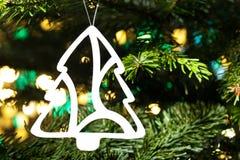 Het ornament van de de besnoeiingsKerstboom van het document royalty-vrije stock foto