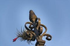 Het Ornament van het netijzer tegen Blauwe Hemel Stock Fotografie