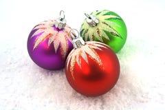 Het ornament van Kerstmis op toont Stock Fotografie