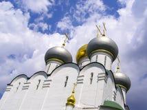 Het Orthodoxe Christelijke klooster van koepelsnovodevichy van zonnige dag royalty-vrije stock foto