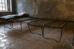 Het oude bed van de gevangeniskabel royalty-vrije stock afbeelding