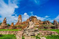 het oude beeld van tempelboedha Stock Afbeelding
