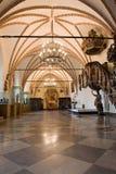 Het oude binnenland van de kasteelzaal. Stock Foto