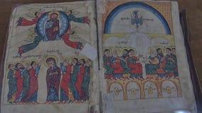 Het oude boek van de Vankkathedraal stock videobeelden