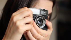 Het oude Camerafoto Schieten stock videobeelden