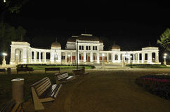 Het oude Casino in Cluj Napoca bij nacht Stock Afbeeldingen