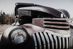 Het oude detail van de autokoplamp in slechte voorwaarde royalty-vrije stock foto