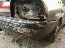 Het oude die licht van de autostaart na ongeval wordt gebroken Royalty-vrije Stock Afbeeldingen