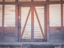 Het oude en vuile pakhuis Stock Foto's