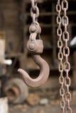 Het oude Hijstoestel van de Ketting Stock Foto's