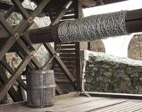 Het oude hout van de waterput Stock Foto's