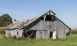 Het oude houten schuur rotten Stock Foto