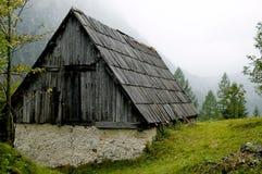 Het oude huis in Slovenië Stock Foto's
