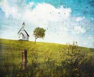 Het oude huis van de landschool op een heuvel Stock Foto