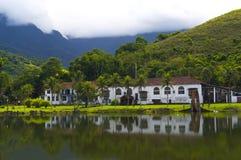 Het oude Panoramische huis van het Landbouwbedrijf - Stock Afbeelding