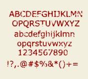 Het oude kastanjebruine rode retro rubberalfabet van de zegelstijl met aantallen en tekensvector Royalty-vrije Stock Foto's