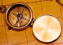 Het oude kompas van het stijlmessing Stock Foto