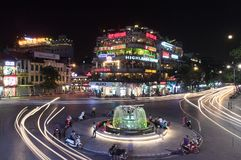 Het Oude Kwart van Hanoi in de avond Stock Foto