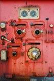 Het oude materiaal van de brandvrachtwagen Stock Foto's
