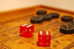Het oude oosterse spel - backgammon stock foto