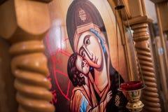 Het oude Orthodoxe pictogram die Virgin tonen huwt met baby Jesus stock fotografie