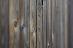 Het oude patroon van het grunge donkere bruine houten paneel met mooie abstracte textuur van de korreloppervlakte, verticale gest Stock Afbeelding