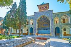 Het oude portaal van Iwan van Chaharbagh madraseh, Isphahan, Iran royalty-vrije stock afbeeldingen